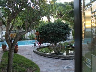 Gorgeous Family Pool Home in Cocoa Beach -Sleeps 8 - Cocoa Beach vacation rentals