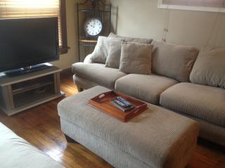 CLEAN, UPDATED AND NEAR DOWNTOWN!! - Cleveland vacation rentals