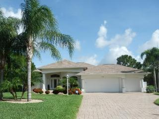 Sand Dollar Villa- Stunning!  Pool, Spa, Golf Deal - Rotonda West vacation rentals