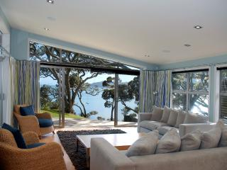 Absolute Waterfront Coopers - Mangonui vacation rentals