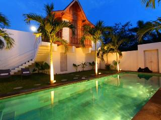 Sumptuous Tropical Villa in the heart of Seminyak - Seminyak vacation rentals