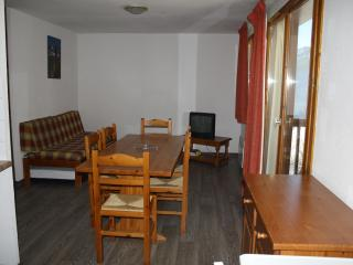 Appartment for 6 St François Longchamp FRENCH ALPS - Saint Francois Longchamp vacation rentals