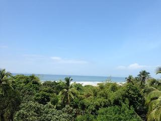 Fully furnished , located bang opposite the beach with a scenic view of the ocean . - Kerala vacation rentals