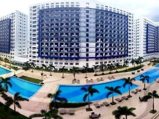 Furnished Condo Across Mall of Asia - Cable/Wi-Fi - Manila vacation rentals