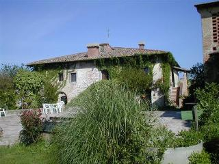Poggio ai Grilli - Country House with 13 sleeps - Gambassi Terme vacation rentals