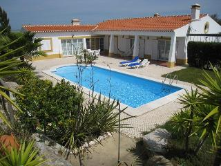 Villa Oasis - Spacious villa - Secluded garden - Private Pool - Algarve vacation rentals