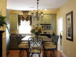 2 BR/2 BA Carriage House with Garage Parking - Savannah vacation rentals