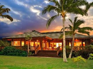 Magnificent beachfront Aloha Sands with 180° ocean view on lush tropical grounds - Kohala Coast vacation rentals