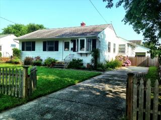 Cape Cottage  Walk to Beach and Pet Friendly 117583 - Cape May vacation rentals