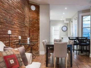 Gorgeous 3+1 Bedroom Plateau condo! - Montreal vacation rentals