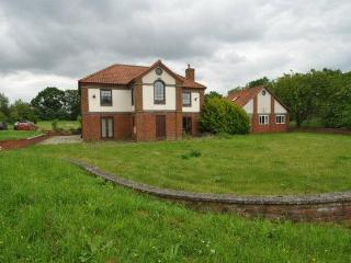 UK Country estate set in 4 acres of land gated - Hertfordshire vacation rentals