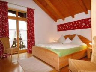 Vacation Apartment in Bad Feilnbach - 592 sqft, rustic, quiet, comfortable (# 4079) - Bad Feilnbach vacation rentals