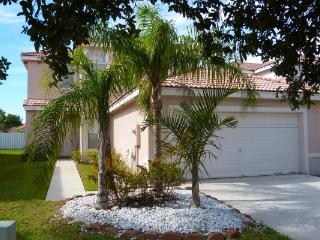Silver Lakes 4- Bedroom Beauty (Pool in front of House) - Pembroke Pines vacation rentals