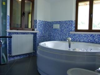 Ca' Anastasi - Elegant villa with 8 sleeps - Apecchio vacation rentals
