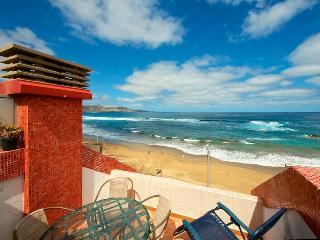 Beachfront Apartment with panoramic views at Canteras Beach, Las Palmas de Gran Canaria - Grand Canary vacation rentals