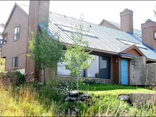 Spacious, End-Unit Condo - Wonderful Mountain Views (1369) - Crested Butte vacation rentals
