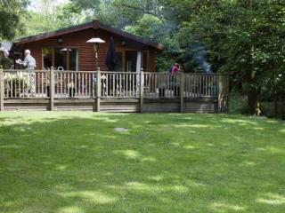 FOOTPRINTS LODGE, (Hot Tub), White Cross Bay, Windermere - Keswick vacation rentals