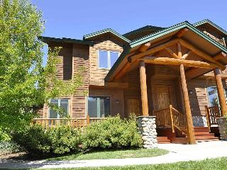 The Enclave 3482 ~ 3 Bedrooms - Discount Lifts - Steamboat Springs vacation rentals