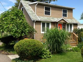 Home Away Retreat - Great Family Home! - Niagara Falls vacation rentals