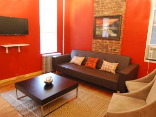 UES Charming Cozy 2 Bedroom Apartment - Manhattan vacation rentals