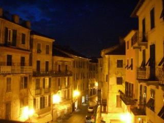 Charming centro storico apartment - Ovada vacation rentals