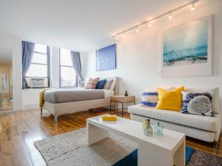 Luxurious Spacious Chelsea Studio ! - New York City vacation rentals