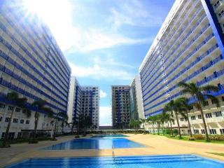 Furnished Condo near Mall, Airport - Cable/Wi-Fi - Makati vacation rentals