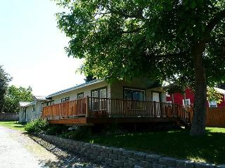 Manson Village Getaway~ Sweet, Charming, and Plenty of Room! - North Cascades Area vacation rentals