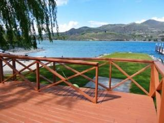 Pirate's Cove Sandy Beach Waterfront Home - Manson vacation rentals