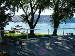 Fray's Lane Waterfront Home with private dock and buoy - Manson vacation rentals