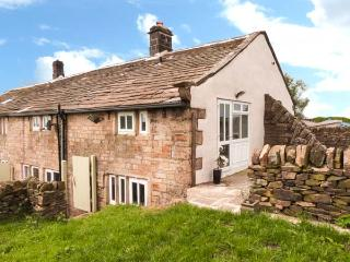 WHITE ROSE COTTAGE, sauna, WiFi, garden with furniture, Ref 912593 - Yorkshire vacation rentals