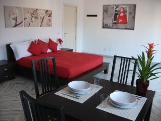 St. Peter's Studio One - Charming and bright studio apartment in Rome's San Pietro - Rome vacation rentals