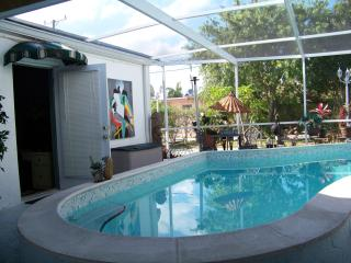 GREEN     OASIS - Hollywood vacation rentals