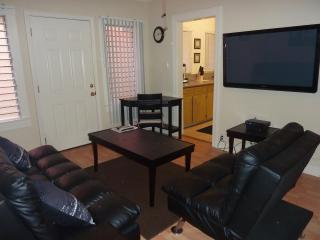 Hollywood Glamour - Los Feliz!!! - Los Angeles vacation rentals