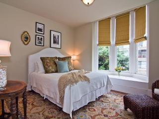 Furnished Top Floor Luxury Cow Hollow Condo 2/br - San Francisco Bay Area vacation rentals