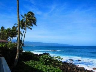 Waimea Bay Ocean Front House, North Shore of Oahu - North Shore vacation rentals