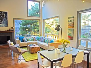 EdgewoodCove, Unparalleled Seaside Retreat w/ View - Portland vacation rentals