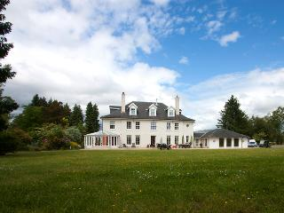 Large House Loch Lomond Sleeps 25 with Indoor Pool. - Loch Lomond and The Trossachs National Park vacation rentals