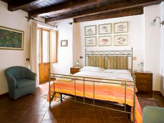 apartment is a beautiful, 2 bedroom, 1.5 bath apartment with 860 sq.ft. of living space and sleeps 6 people - Italy vacation rentals