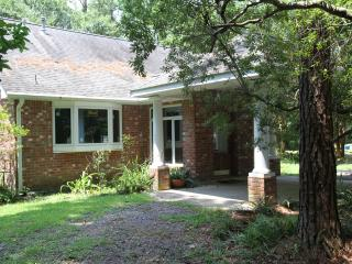 The Guest House - Tranquil, country setting - Hammond vacation rentals