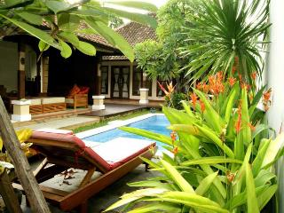 Bali Villa 3 BR with pool in Seminyak center - Seminyak vacation rentals