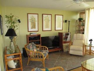 EXPERIENCE TRUE HAWAII.  Available for 30 day rentals, please call - Kahuku vacation rentals