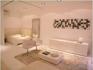 Lisbon Apartment White Boudoir - Palmul vacation rentals