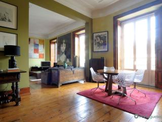 Lisbon Apartment Brazilian Chic - Palmul vacation rentals