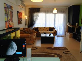 Thessaloniki apartment. 2 rooms, sleeps 4, parking - Macedonia Region vacation rentals