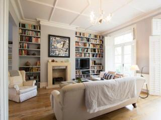 Palliser Road, (IVY LETTINGS). Fully managed, free wi-fi, discounts available. - London vacation rentals