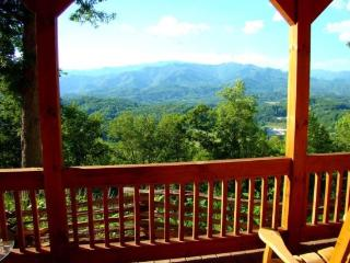 Wind Song Cabin - Log Getaway Minutes from Town with Internet and Great View - Bryson City vacation rentals