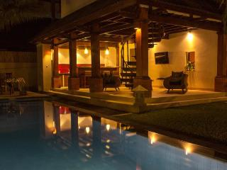 SEMINYAK 4 BRs EXQUISITE PRIVATE VILLA POOL STAFF - Canggu vacation rentals