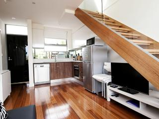 Position Perfect - City Views - Melbourne vacation rentals