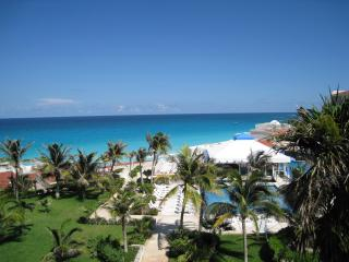 Ocean Front Studio C409 On The Beach - Cancun vacation rentals